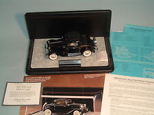 1932 FORD DEUCE COUPE BLACK FRANKLIN MINT 1:24 DIECAST WITH DISPLAY CASE