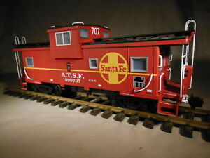 R 12101 USA Trains Santa Fe Extended Window Caboose G scale