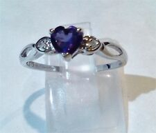 Solid 9ct white gold amethyst & diamond heart ring. Size N       R029-27