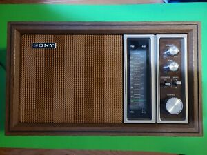 VINTAGE SONY AM/FM TABLE RADIO MODEL TFM 9450W WORKING GREAT Nice