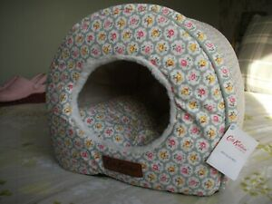 "Cath Kidston Provence Rose Dark Sage Igloo Pet Bed ""BNWT"""