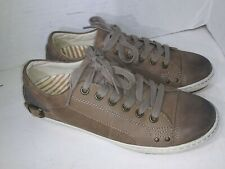 Taos Womens Capitol Taupe Oiled Fashion Sneaker Size 8