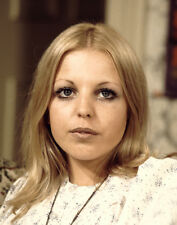 Sally Thomsett UNSIGNED photo - H6255 - Man About the House