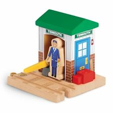 Thomas & Friends Wooden Railway Signal House with Worker Tidmouth green roof fun