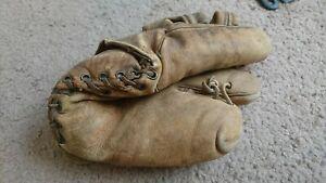 Rare Antique Vintage Wilson Two finger glove 1947