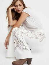 NEW $148 FREE PEOPLE FLOAT ON CRYSTAL EMBELLISHED FLARE JEANS WHITE SIZE 31