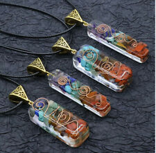 Colgante artesanal, elaborado a mano con las piedras naturales de los 7 chakras