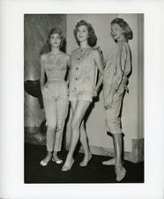 Mode années 50 Vintage silver print Tirage argentique  13x18  Circa 1950