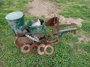 Cole Planter Model 10 IH Quick Hitch Seeder, Okra, Beans, Corn