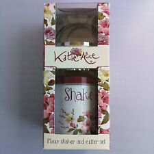 Katie Alice Flour Shaker and Cutter Set Country Style Cookie Cutter Set