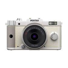 Near Mint! Pentax Q with 8.5mm f/1.9 White  - 1 year warranty