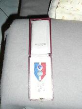 Médaille du travail  de 1915 .35 et 45 ans dans la societe textile marque DD