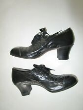Vintage Women's Black leather Red Cross Shoes 6 1/2 United States shoe corp.