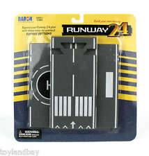 Runway24 RW910 Airplane Runway 3 Straight Sections For Diecast Model Planes Mint