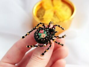 Small spider Gothic brooch for-girlfriend Beaded insect pin Mini Halloween gift