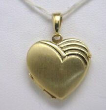 Lovely 14KYG Heart Locket Pendant EUC Great Design