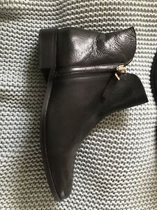 Country Road Black Leather Boots Sz 41 EUC