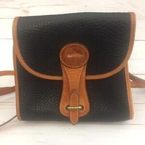 Vtg Dooney & Bourke Essex AWL Black Leather Medium Shoulder Bag Purse Tan Trim