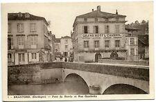 CARTE  POSTALE BRANTOME PONT DE BARRIS ET RUE GAMBETTA  GRAND HOTEL CHABROL