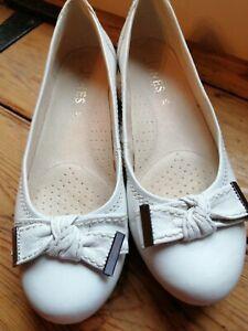 Jones cream  Flat Shoes EU 38 UK 5