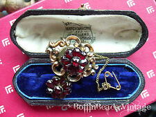 VICTORIAN GARNETS MOURNING BROOCH with macabre human hair encased - gold + chain