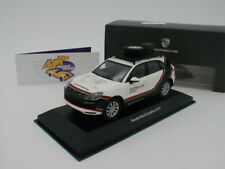 "Spark WAP0203150J - Porsche Cayenne "" Porsche World Expedition 2018 "" 1:43  NEU"