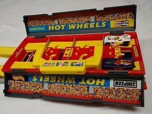 Vintage Mattel Hot wheels Drag Track Launcher 1997 Red Goodyear Simpson Champion