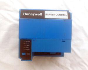 Honeywell RM7840 L 1018 Automatic Programming Burner Flame Control RM7840L1018