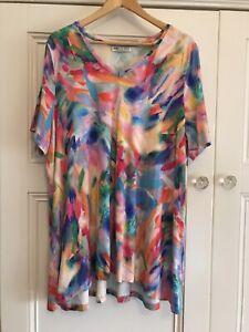 Fella Hamilton Size 20 GORGEOUS Multicoloured Short Sleeve Top