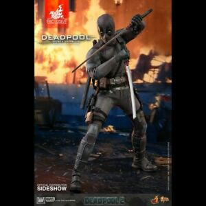 -= ] HOT TOYS - Marvel: Deadpool 2 - Exclusive Dusty Deadpool 1:6 Scale [ =-
