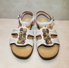 CLARKS ARTISAN BEIGE LEATHER BEADED SANDALS WOMENS SIZE 6.5M BARELY WORN
