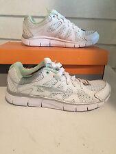 "AVIA ""Bolt"" Women's Running Shoes  Size 8 White/Silver/Green"