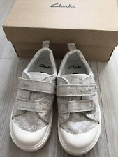 CLARKS girls clean silver & cream trainers. Infant size 9.5F. With box.