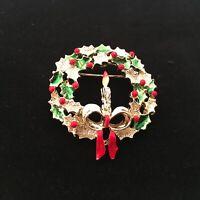 "Vintage Christmas Wreath Brooch Lapel Hat Pin Pendant 1.5"" Goldtone Enamel"