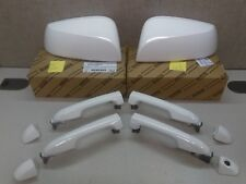Toyota Tacoma 16-18 Super White 040 Outer Mirror Covers and Handles Genuine OEM