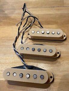 Fender Custom Shop 54 Stratocaster Pickups - Cream