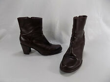 Indigo by Clarks Brown Leather Side Zip Ankle Boots sz. 7