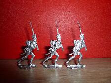 B21 PLAT D ETAIN = 3 SOLDATS DE L EMPIRE AU PAS RAPIDE ARME DANS LES 2 MAINS