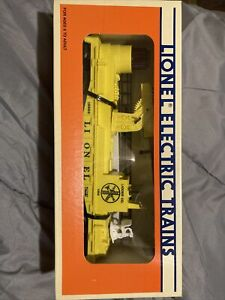 Lionel 6-16660 Yellow Fire Engine Car with Lights and Ladders