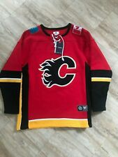 Calgary Flames Fanatics Breakaway Lace Up Pullover Sweatshirt Large Red NHL BNWT