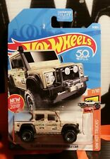 "2018 HOT WHEELS "" '15 LAND ROVER DEFENDER DOUBLE CAB "" HW HOT TRUCKS - BAD CARD"