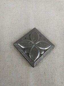 Questech Dorset Cast Metal Deco Clover 2 x 2 Tile & Stone M1D210024011