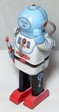 Vintage hojalata Clockwork astronought caminar Robot con arma Circa 1990S China