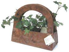 Vaso a forma di borsetta, originale portafiori in rame detto cretese