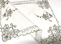 VINTAGE HAND EMBROIDERED WHITE LINEN TABLE CENTRE / TRAY CLOTH 18X13 Inches