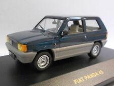 Véhicules miniatures bleus IXO pour Fiat