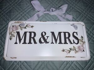 """🌸 Wedding Metal License Plate """"Mr & Mrs"""" Hanging Sign (W11) NWT 🌸"""