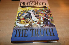 TERRY PRATCHETT - 25th DISCWORLD NOVEL - THE TRUTH - EXCELLENT  WITH DUST COVER