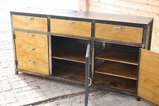 Buffet d'atelier industriel bois et mètal sur mesure  meuble industriel