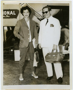 Diana Barrymore & Tennessee Williams at Idlewild Airport 1959 Press Photograph